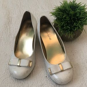 American Eagle white girls dress up heels